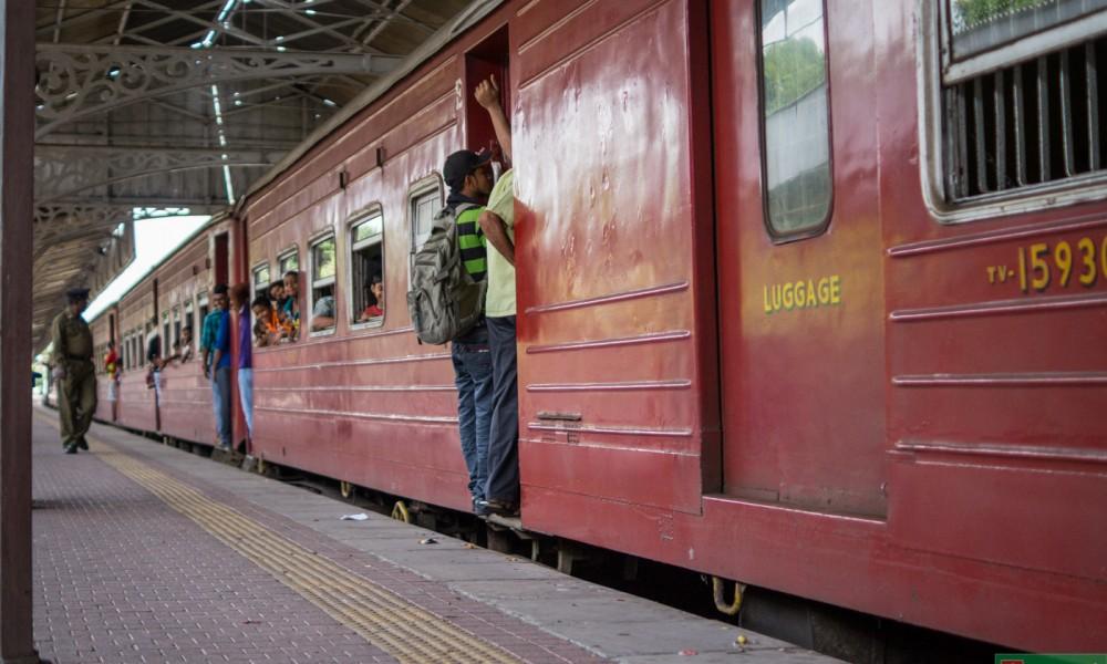 Pierwsze kolejowe starcie. W drodze do Nuwara Eliya