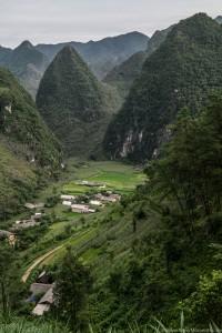 Wietnamskie góry latem porośnięte gęsto...kukurydzą